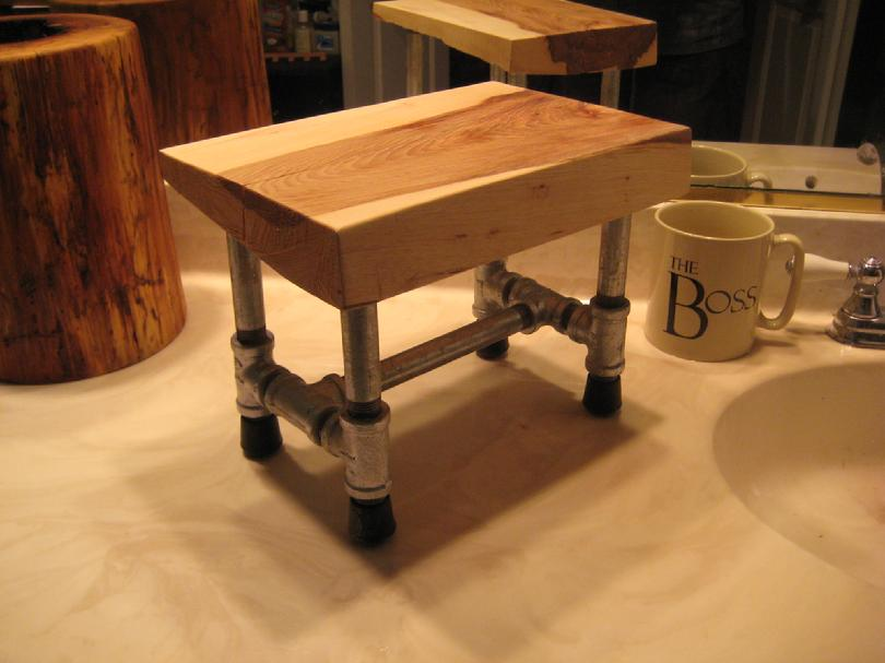 DIY - Small Hickory Stool 012